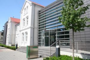 Moderne trifft Klassik: Das Rathaus (Quelle: Stadt Verl)