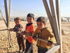 151129_spielende Kinder im Camp - Zaatari -12313514_1920484698177519_2522010758920618199_n
